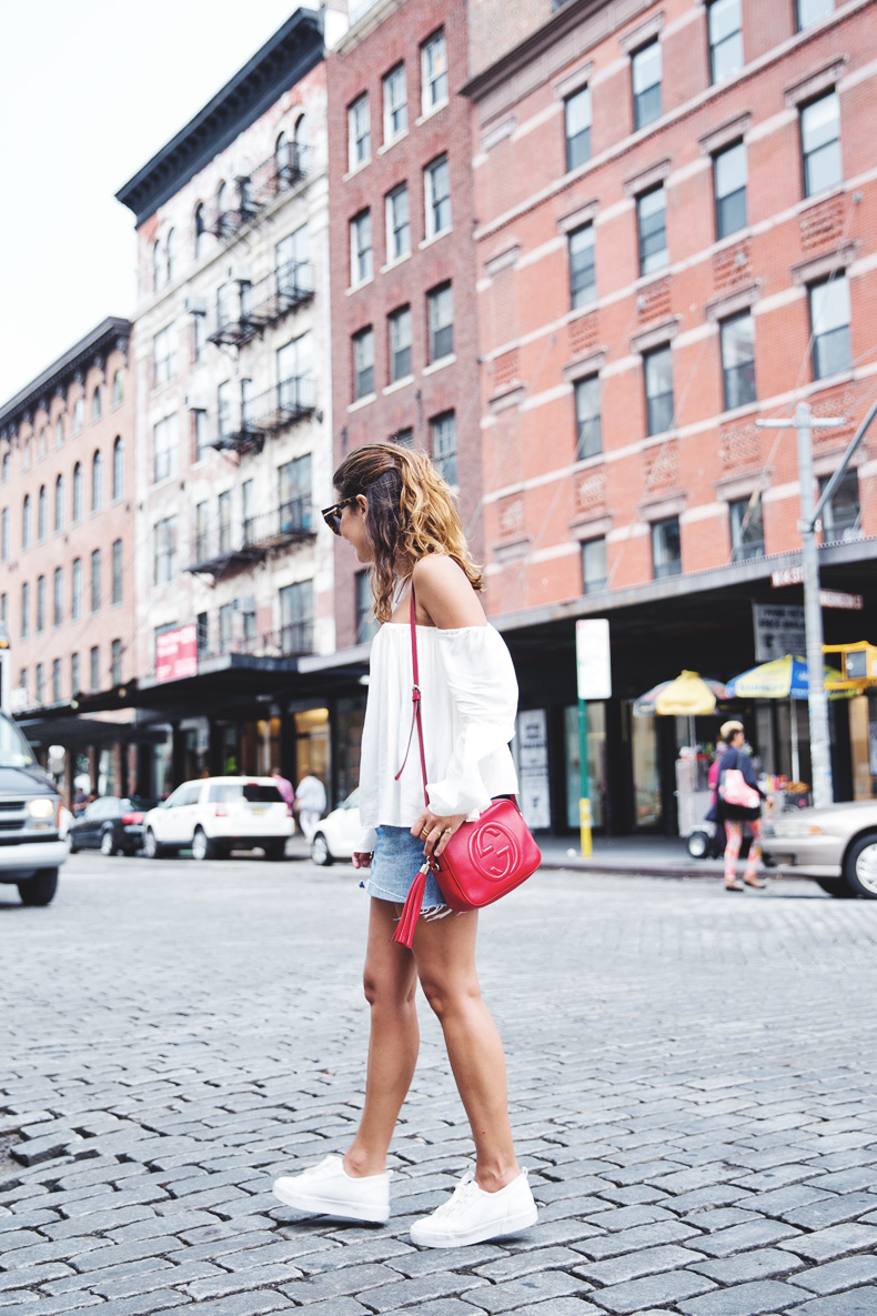 Off_Shoulders_Top-Vintage_Levis_Skirt-White_Sneakers-Gucci_Disco_Bag-Street_Style-New_York-NYFW-13