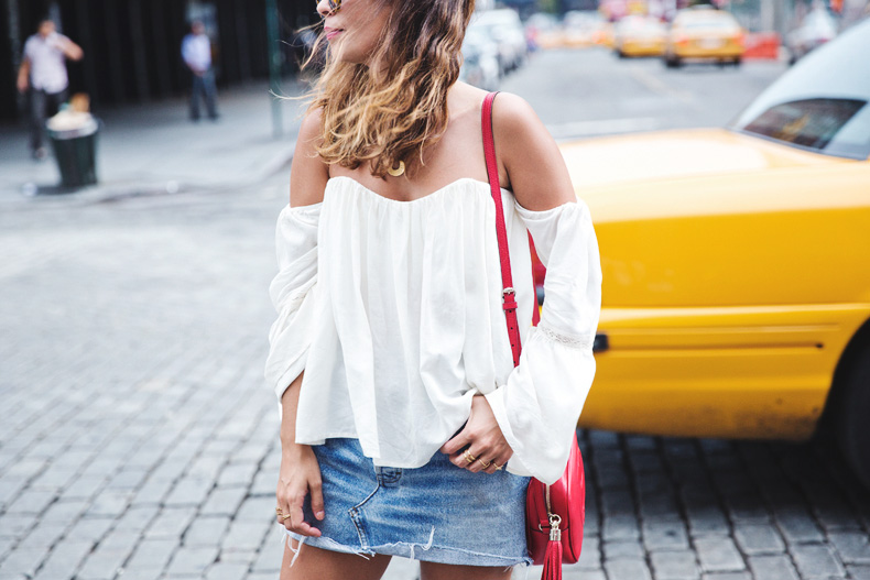 Off_Shoulders_Top-Vintage_Levis_Skirt-White_Sneakers-Gucci_Disco_Bag-Street_Style-New_York-NYFW-23