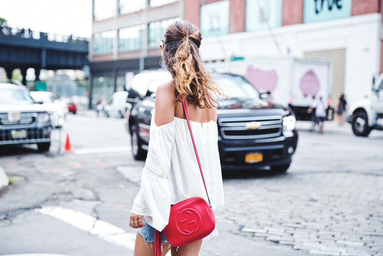 Off_Shoulders_Top-Vintage_Levis_Skirt-White_Sneakers-Gucci_Disco_Bag-Street_Style-New_York-NYFW-29
