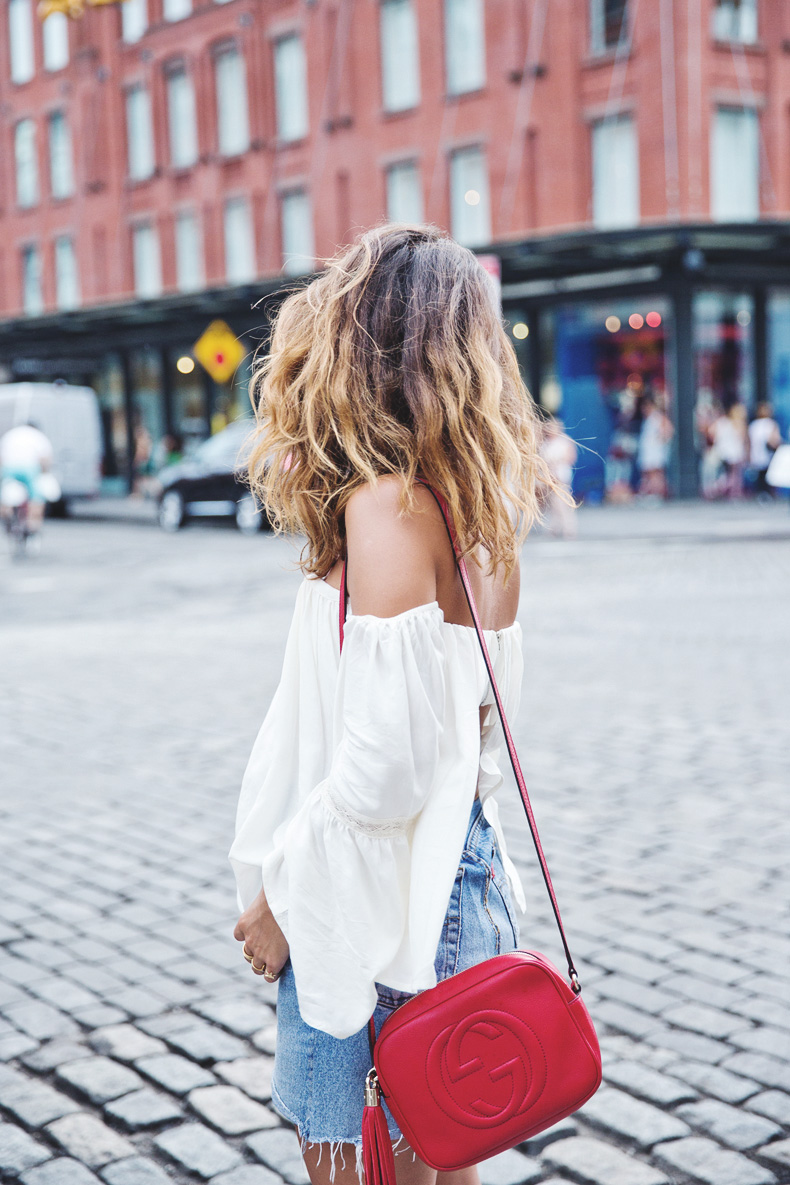 Off_Shoulders_Top-Vintage_Levis_Skirt-White_Sneakers-Gucci_Disco_Bag-Street_Style-New_York-NYFW-5