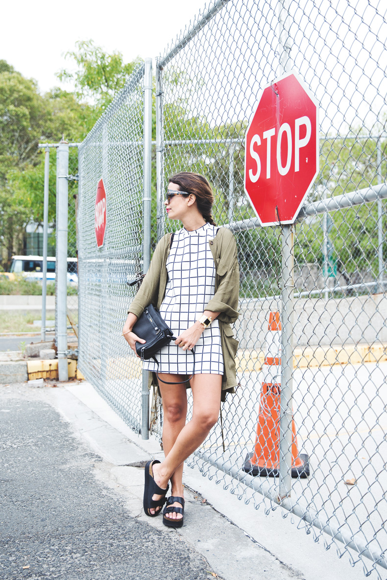 Plaid_Dress-Trench-Birks-Topshop-Back_To_Sixties-20