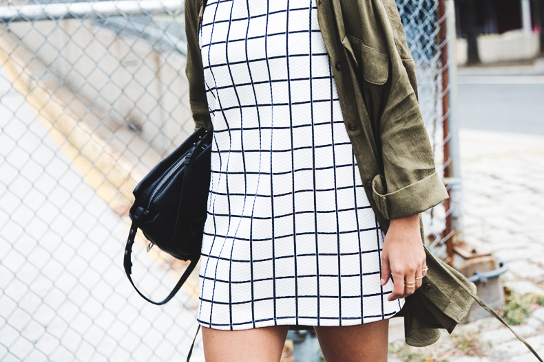 Plaid_Dress-Trench-Birks-Topshop-Back_To_Sixties-31