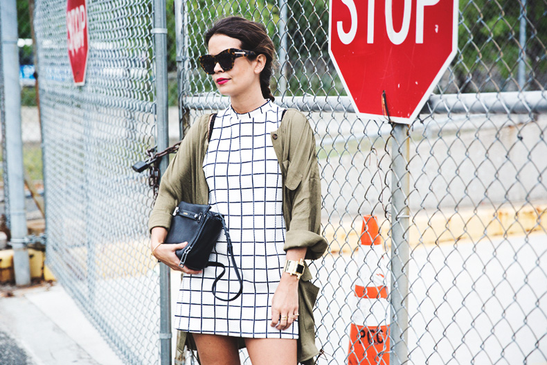 Plaid_Dress-Trench-Birks-Topshop-Back_To_Sixties-37