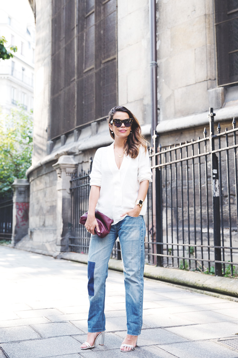 Denim_Levis_Vintage-White_Shirt-Sandals-Burgundy_Clutch-Paris-Street_Style-Karen_Walker-11