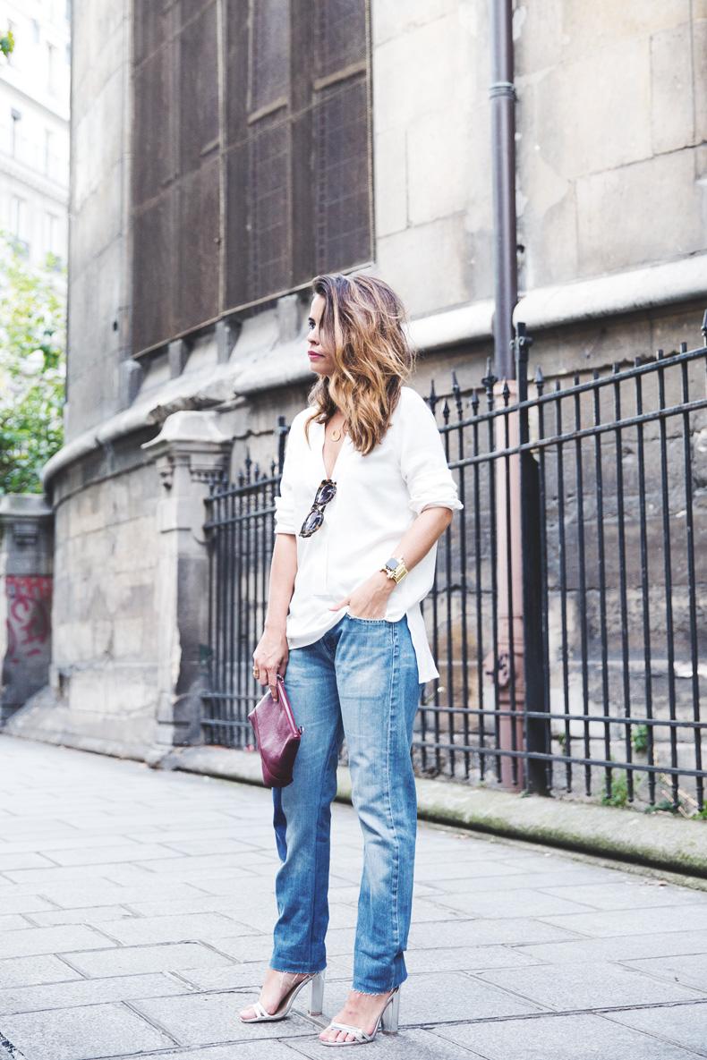 Denim_Levis_Vintage-White_Shirt-Sandals-Burgundy_Clutch-Paris-Street_Style-Karen_Walker-23