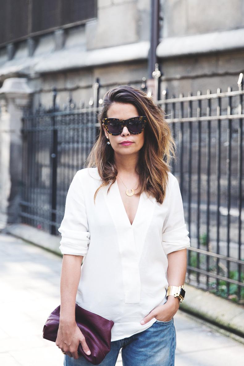 Denim_Levis_Vintage-White_Shirt-Sandals-Burgundy_Clutch-Paris-Street_Style-Karen_Walker-9