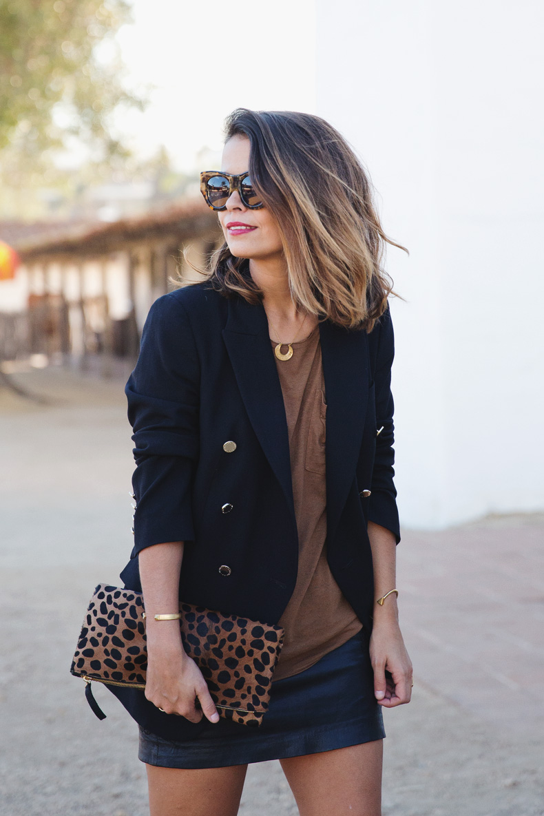 Leopard_Clutch-Clare_Vivier-Blazer-Senso_Sandals-Leather_Skirt-Outfit-Street_Style-27