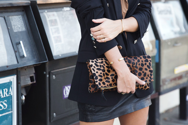 Leopard_Clutch-Clare_Vivier-Blazer-Senso_Sandals-Leather_Skirt-Outfit-Street_Style-48