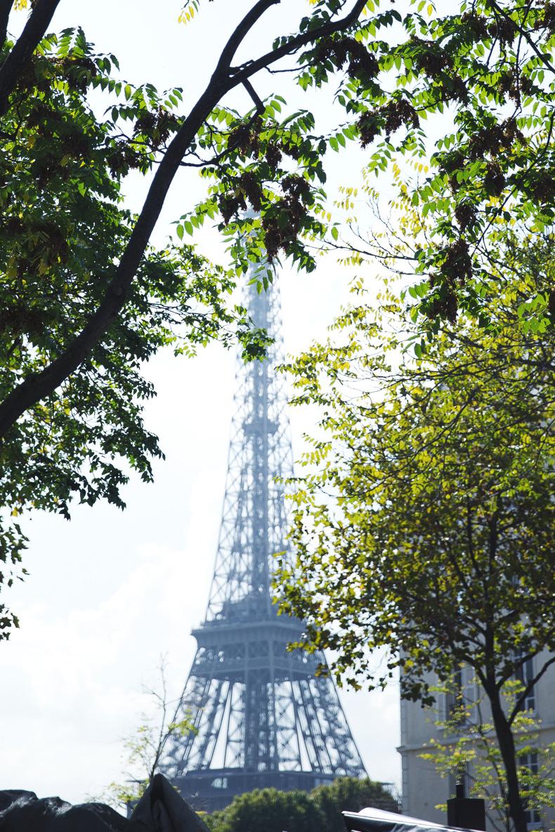 Paris_Top-Black_Mini_Skirt-Reiss_Belt-Bruches-Oxfords-Cat_Bag-Outfit-Street_Style-PFW-25