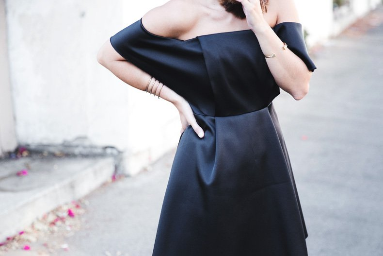 Sandro_Off_Shoulders_Dress-Night-Capsule_Collection-Outfit-Street_Style-LBD-Little_Black_Dress-35