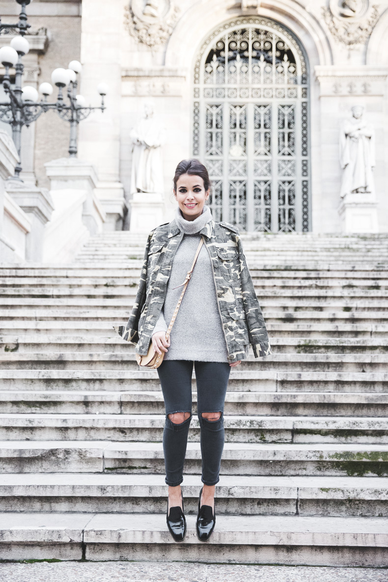 Camouflage_Jacket-Camo_Print-Ripped_Jeans-Loafers-Rebecca_Minkoff_Bag-Outfit-Street_Style-Collage_Vintage-24