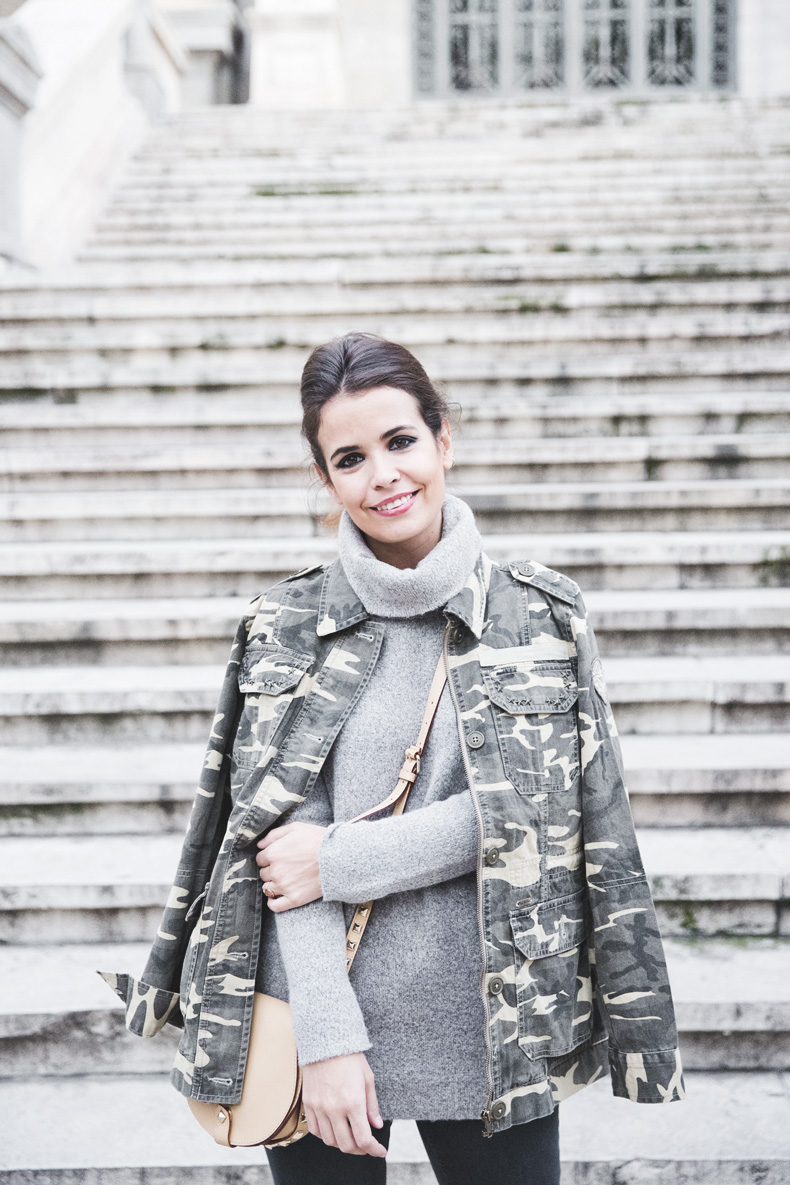 Camouflage_Jacket-Camo_Print-Ripped_Jeans-Loafers-Rebecca_Minkoff_Bag-Outfit-Street_Style-Collage_Vintage-33
