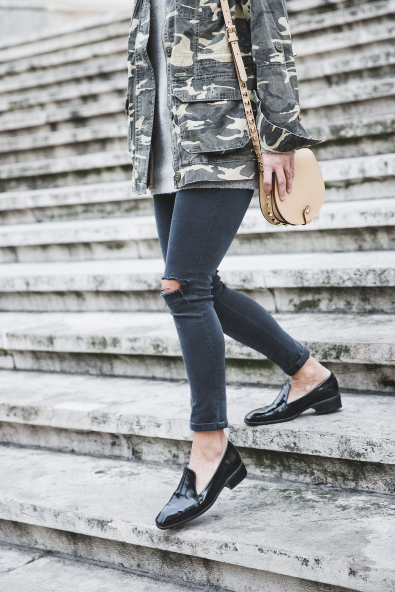 Camouflage_Jacket-Camo_Print-Ripped_Jeans-Loafers-Rebecca_Minkoff_Bag-Outfit-Street_Style-Collage_Vintage-37