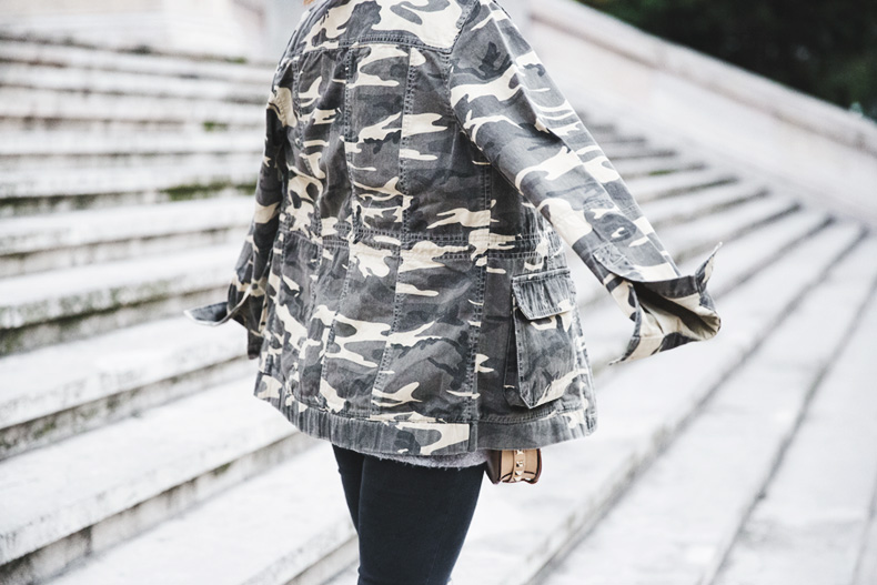 Camouflage_Jacket-Camo_Print-Ripped_Jeans-Loafers-Rebecca_Minkoff_Bag-Outfit-Street_Style-Collage_Vintage-58