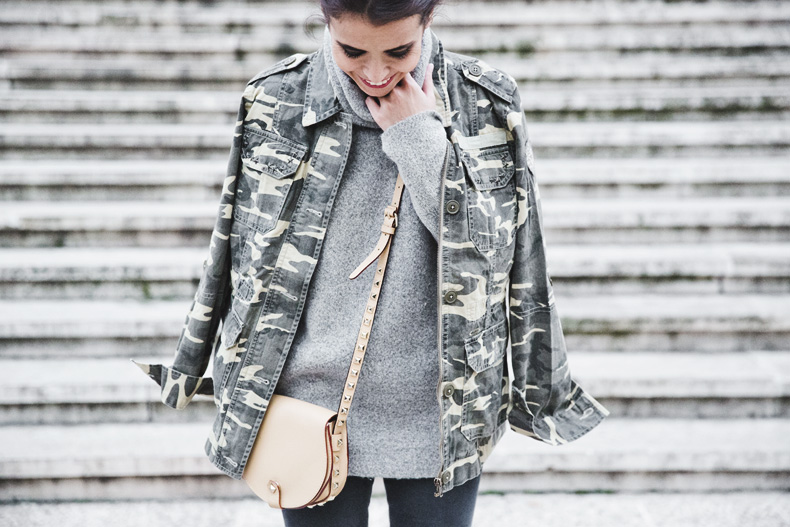 Camouflage_Jacket-Camo_Print-Ripped_Jeans-Loafers-Rebecca_Minkoff_Bag-Outfit-Street_Style-Collage_Vintage-60