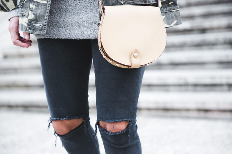 Camouflage_Jacket-Camo_Print-Ripped_Jeans-Loafers-Rebecca_Minkoff_Bag-Outfit-Street_Style-Collage_Vintage-66
