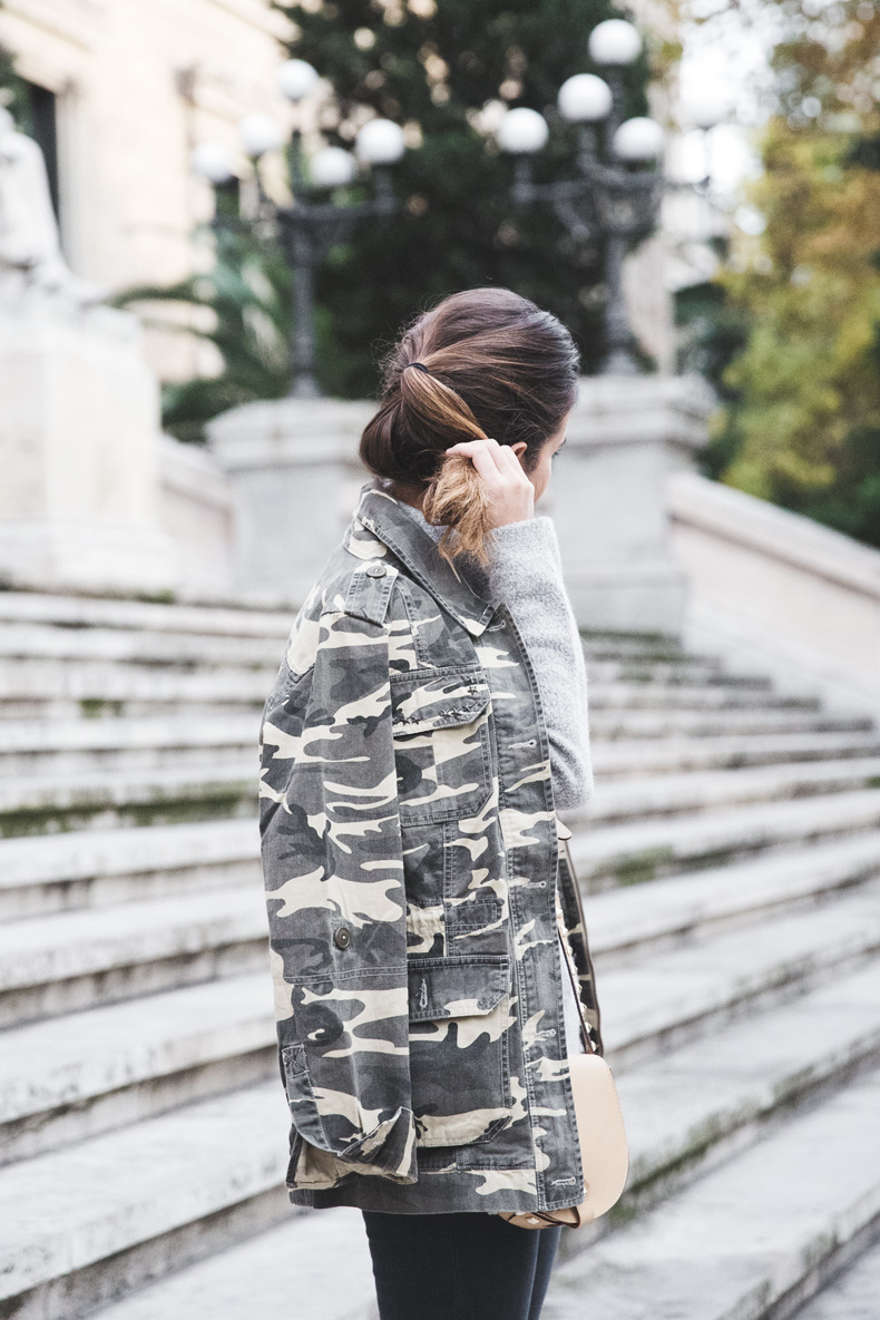 Camouflage_Jacket-Camo_Print-Ripped_Jeans-Loafers-Rebecca_Minkoff_Bag-Outfit-Street_Style-Collage_Vintage-9