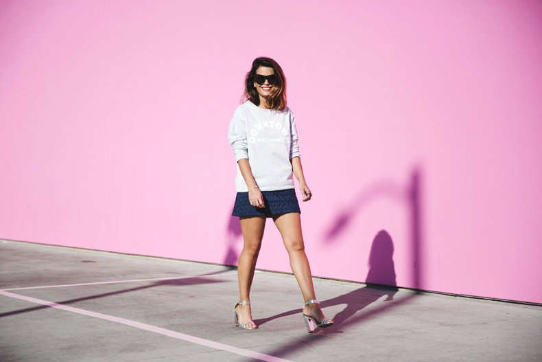 Collage_Vintage_Sweatshirt-Quilted_Skirt-Pink_Wall-Los_Angeles-Outfit-Street_Style-31