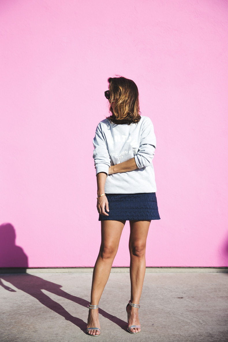 Collage_Vintage_Sweatshirt-Quilted_Skirt-Pink_Wall-Los_Angeles-Outfit-Street_Style-6