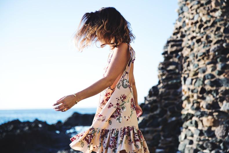 Laguna_Beach-Orange_County-Open_Back_Dress-Floral_Print-Faithfulthebrand-Beach-29