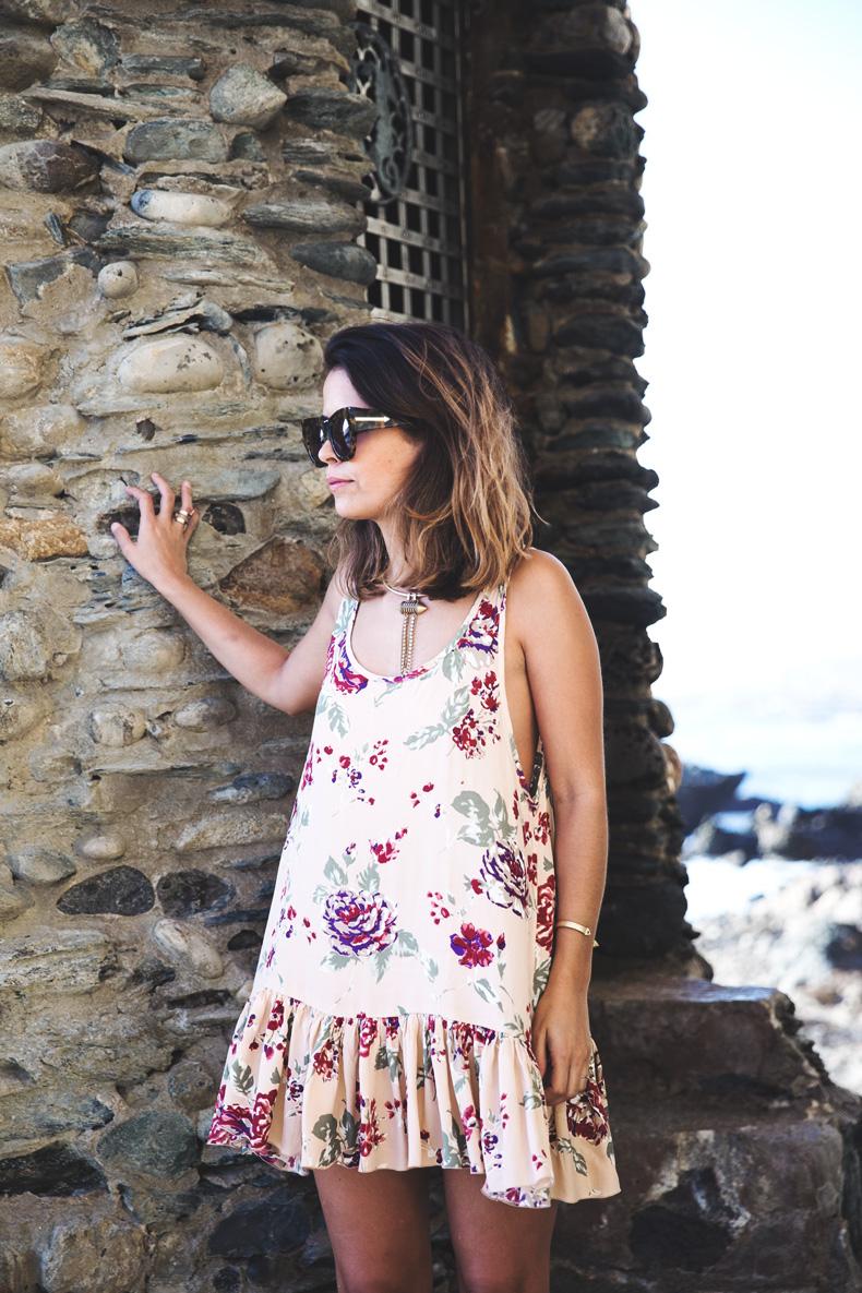 Laguna_Beach-Orange_County-Open_Back_Dress-Floral_Print-Faithfulthebrand-Beach-3