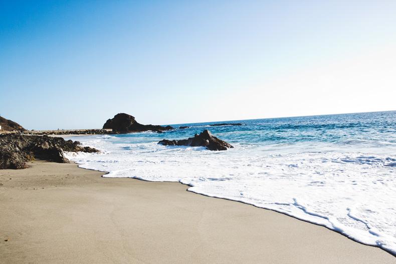 Laguna_Beach-Orange_County-Open_Back_Dress-Floral_Print-Faithfulthebrand-Beach-35