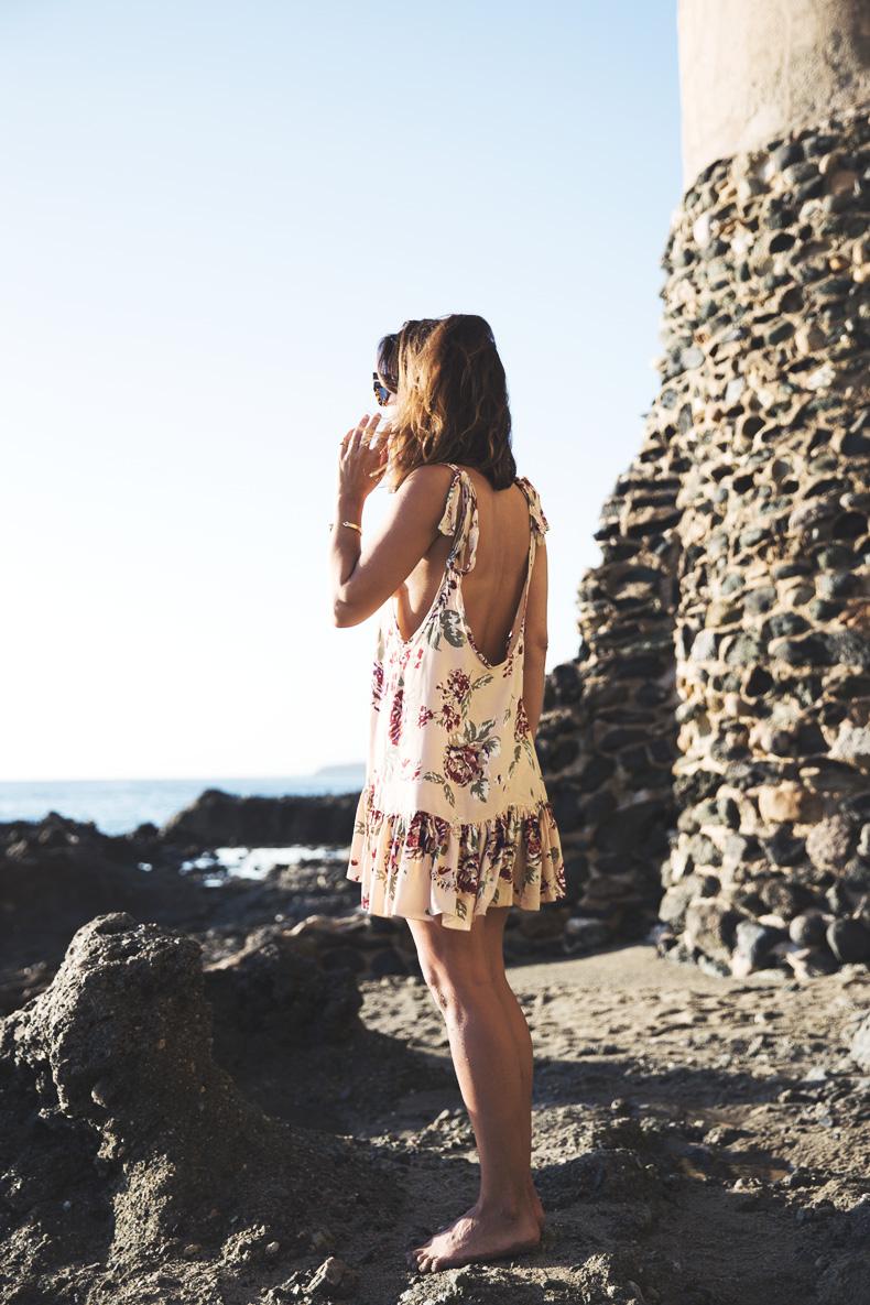 Laguna_Beach-Orange_County-Open_Back_Dress-Floral_Print-Faithfulthebrand-Beach-7
