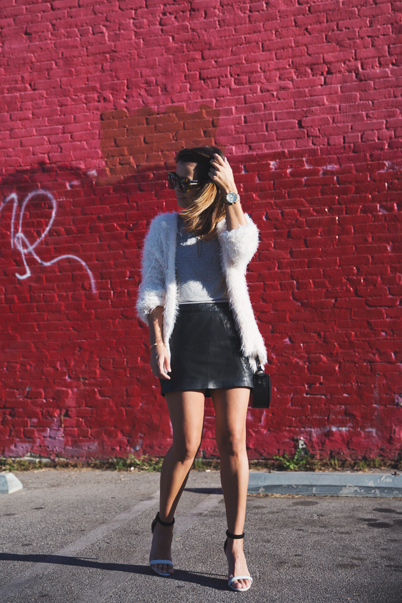 Silver_Lake-Leather_Mini_Skirt-Urban_Outfitters-Fluffy_Jacket-Outfit-Street_Style-Los_Angeles-19