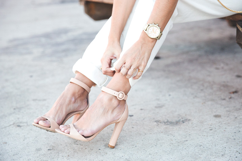 Total_White_outfit-Ripped_Jeans-Los_Angeles-Street_Style-20