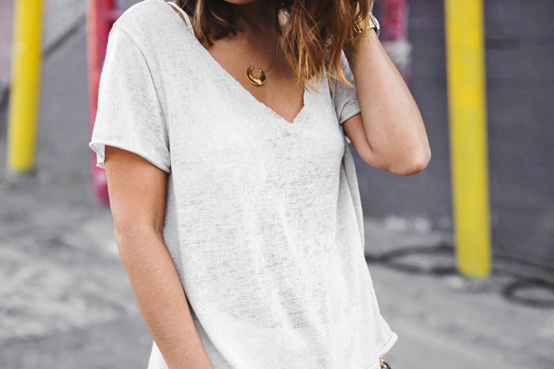 Total_White_outfit-Ripped_Jeans-Los_Angeles-Street_Style-28