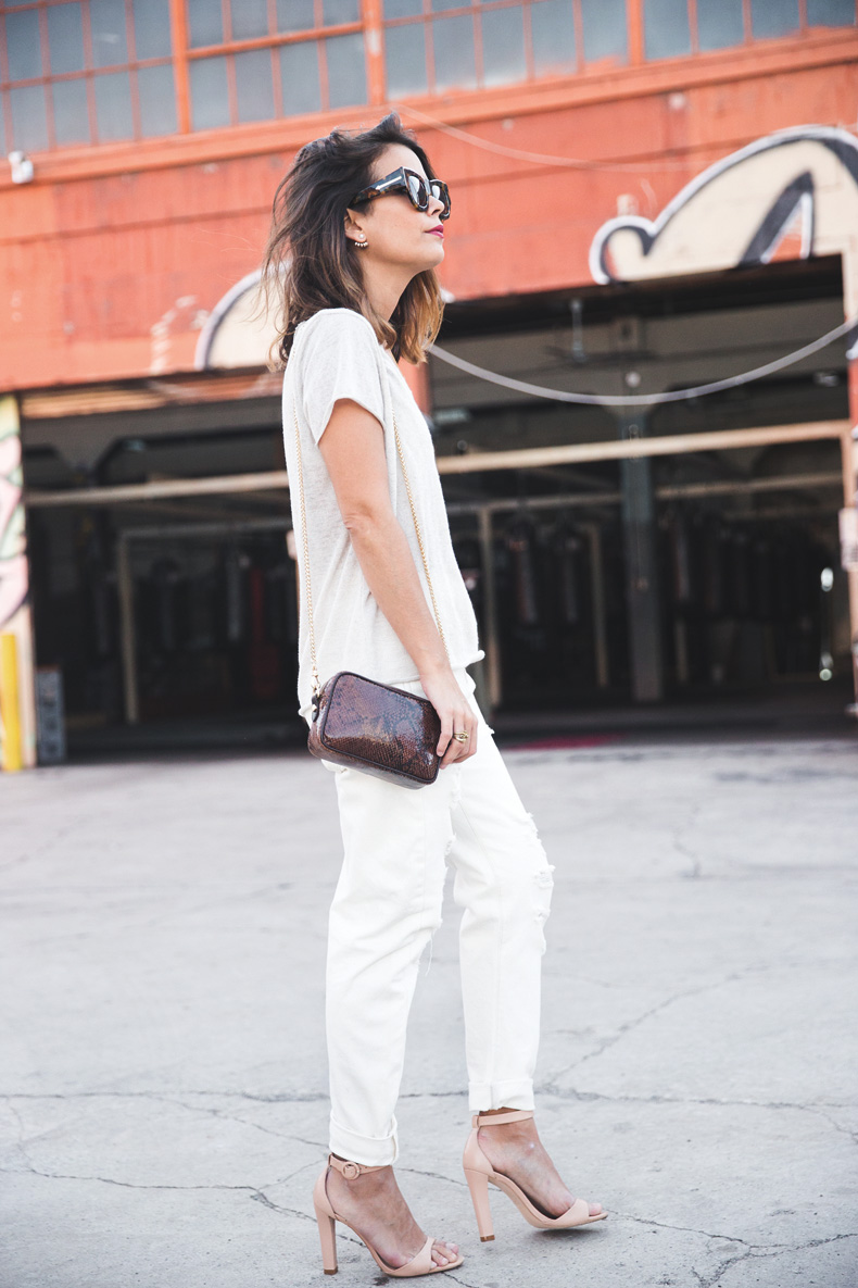 Total_White_outfit-Ripped_Jeans-Los_Angeles-Street_Style-5