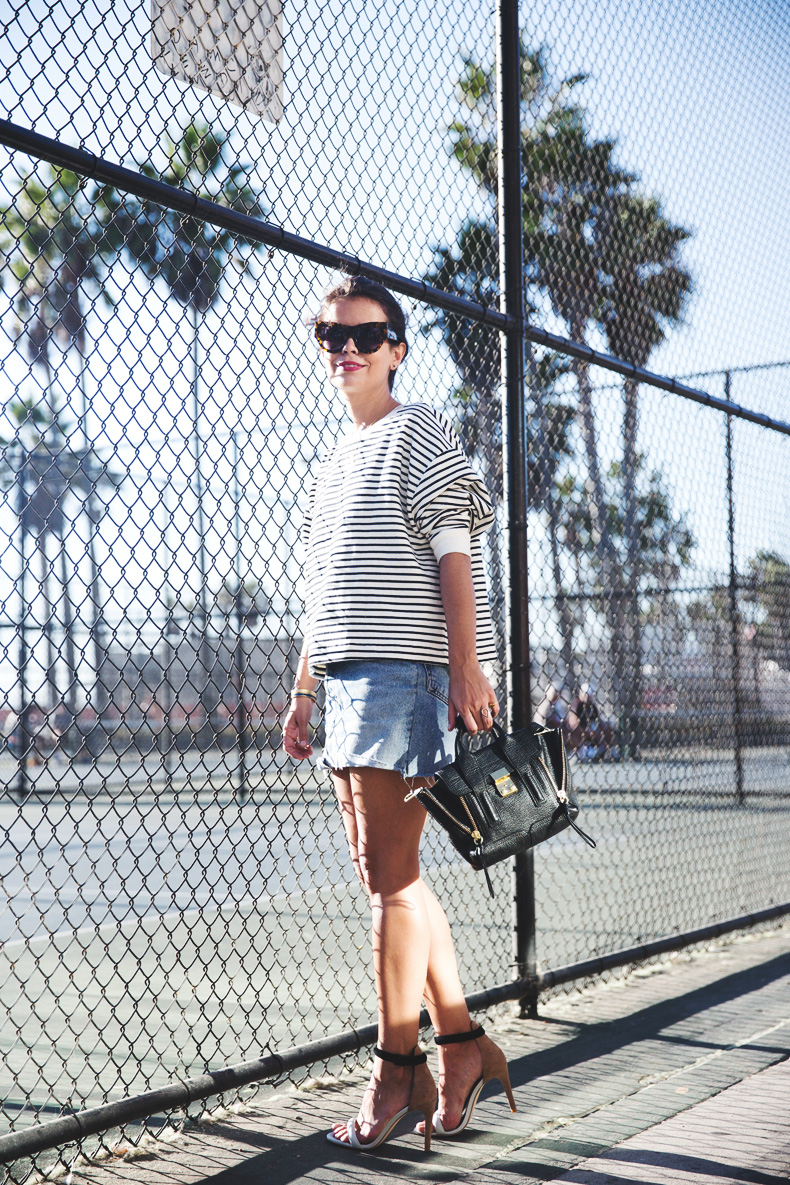 Venice_Beach-Striped_SweatShirt-Denim_Skirt-Revolve_Clothing-Outfit-Street_Style-13