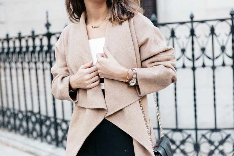 Bardot_Top-Stripes-Purificacion_Garcia_Trousers-Camel_Coat-Outfit-Street_Style-Collage_Vintage-100