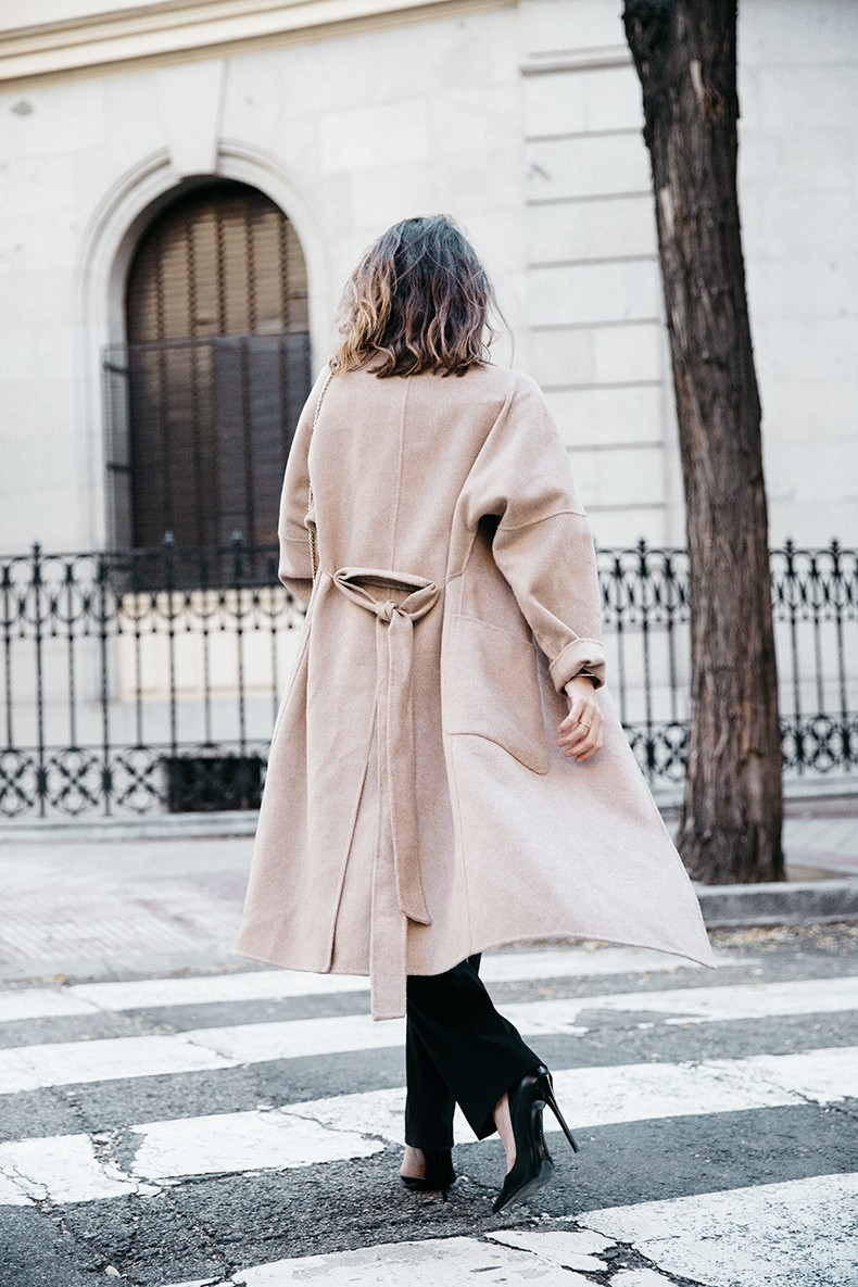 Bardot_Top-Stripes-Purificacion_Garcia_Trousers-Camel_Coat-Outfit-Street_Style-Collage_Vintage-2