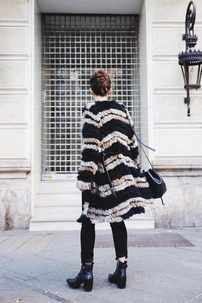 Bicolor_Coat-Custo_Barcelona-Belted_Colar-Black_Look-Outfit-Street_style-10Karen_Millen-Chrismas_Wishlist-Collage_Vintage-Leather_Skirt-Burgundy_Bag-Silver_Blazer-Outfit-Street_Style-