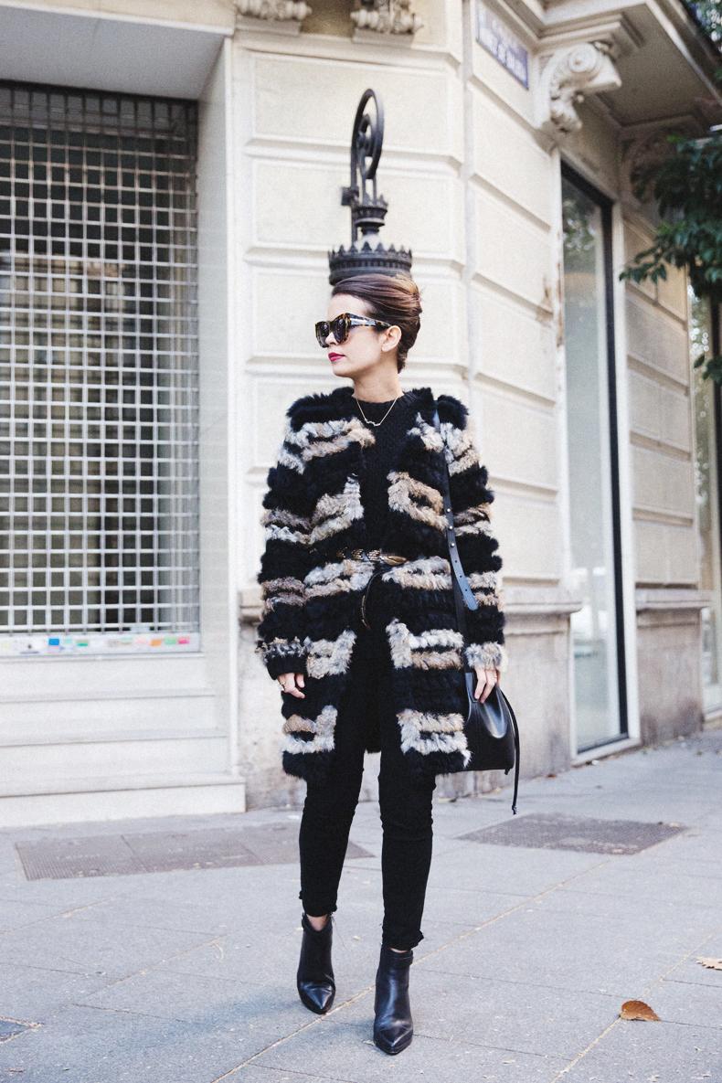 Bicolor_Coat-Custo_Barcelona-Belted_Colar-Black_Look-Outfit-Street_style-4Karen_Millen-Chrismas_Wishlist-Collage_Vintage-Leather_Skirt-Burgundy_Bag-Silver_Blazer-Outfit-Street_Style-