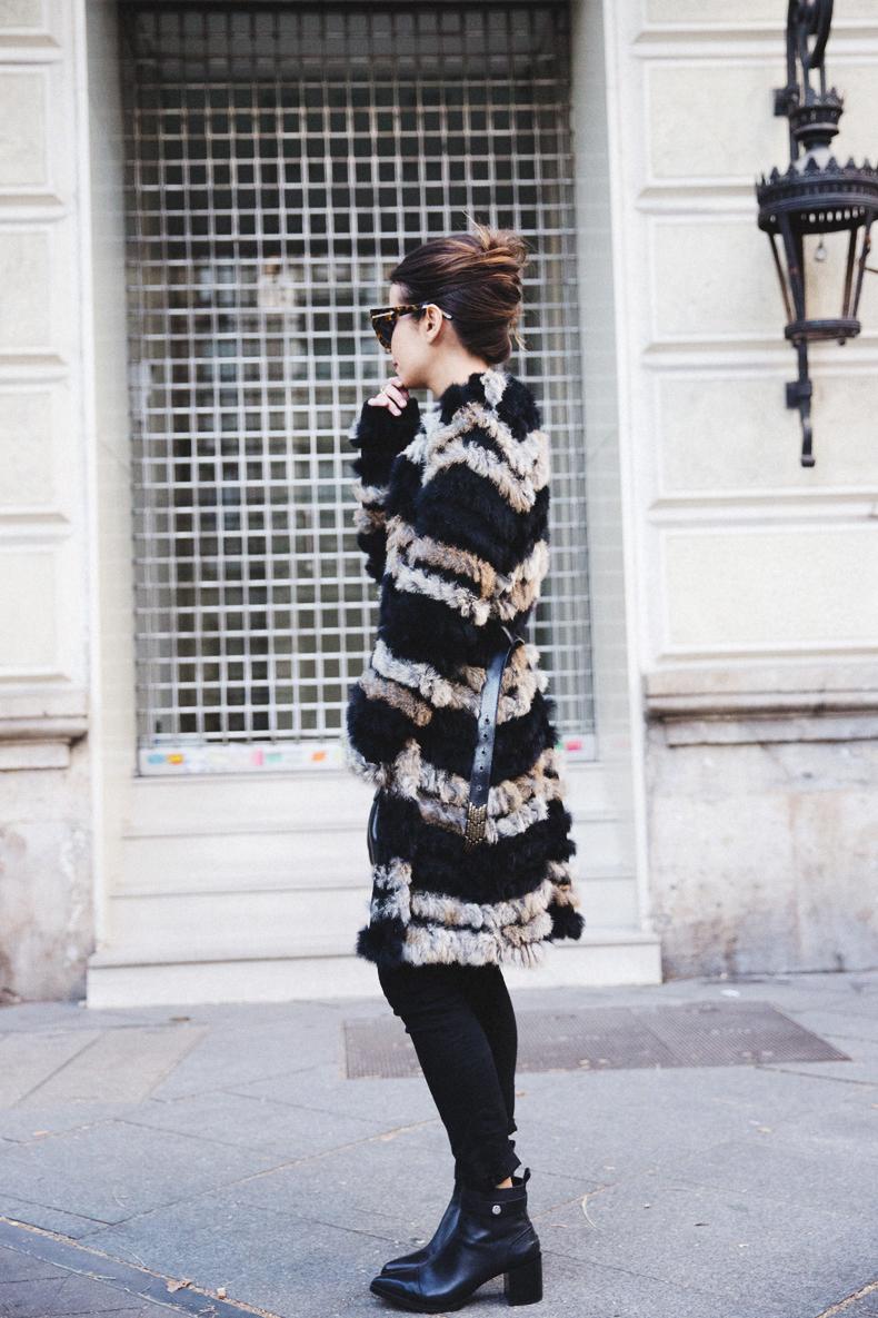 Bicolor_Coat-Custo_Barcelona-Belted_Colar-Black_Look-Outfit-Street_style-6Karen_Millen-Chrismas_Wishlist-Collage_Vintage-Leather_Skirt-Burgundy_Bag-Silver_Blazer-Outfit-Street_Style-