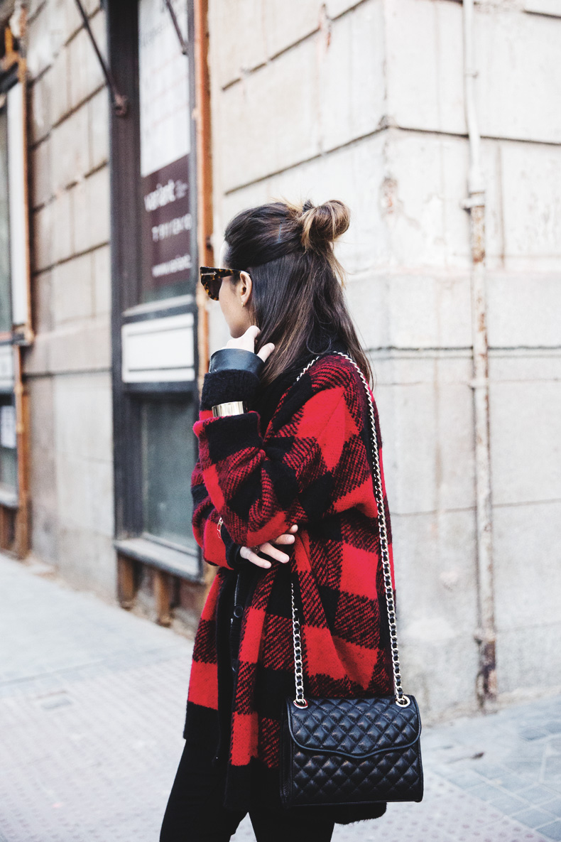 Checked_Cardigan-Black_And_Red-Balenciaga_Boots-Outfit-Rebecca_Minkoff-Quilted_Bag-Street_style-2