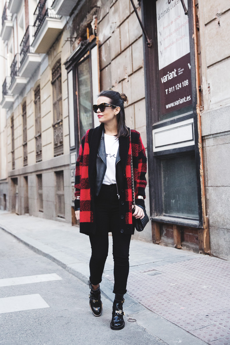 Checked_Cardigan-Black_And_Red-Balenciaga_Boots-Outfit-Rebecca_Minkoff-Quilted_Bag-Street_style-20
