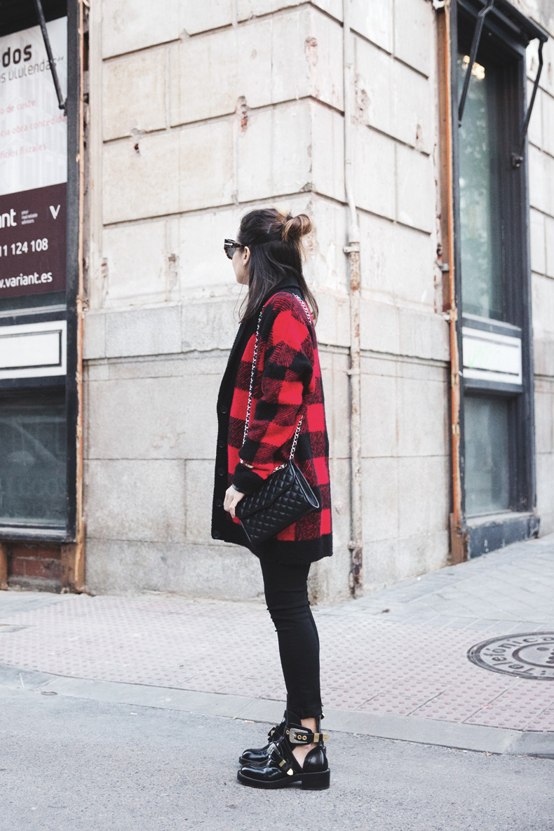 Checked_Cardigan-Black_And_Red-Balenciaga_Boots-Outfit-Rebecca_Minkoff-Quilted_Bag-Street_style-36