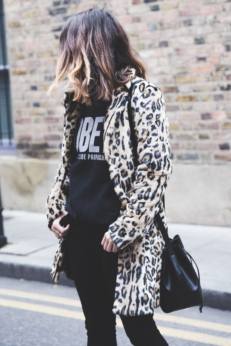 London_Rimmel-Leopard_Coat-Pepe_Jeans-Black-Obey_Sweatshirt-Chained_Boots-Outfit-Street_Style-1