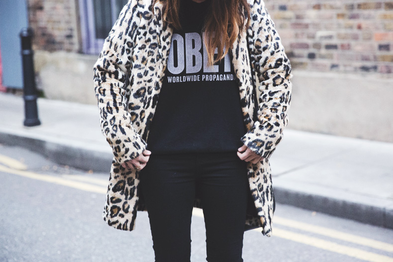 London_Rimmel-Leopard_Coat-Pepe_Jeans-Black-Obey_Sweatshirt-Chained_Boots-Outfit-Street_Style-35