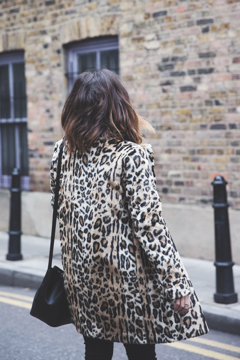 London_Rimmel-Leopard_Coat-Pepe_Jeans-Black-Obey_Sweatshirt-Chained_Boots-Outfit-Street_Style-9