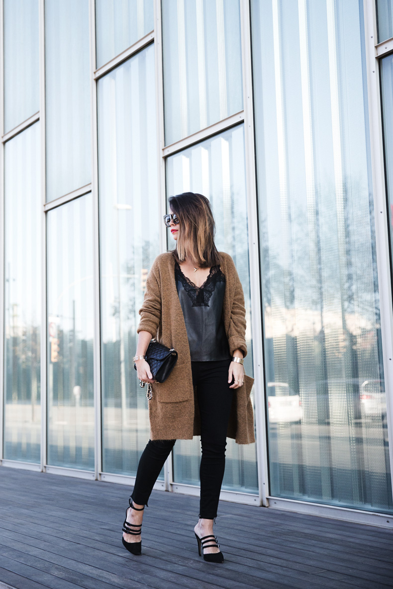 Maxi_Cardigan-Lace_Leather_Top-Bucklets_Shoes-Skinny_Jeans-Outfit-Street_Style-15