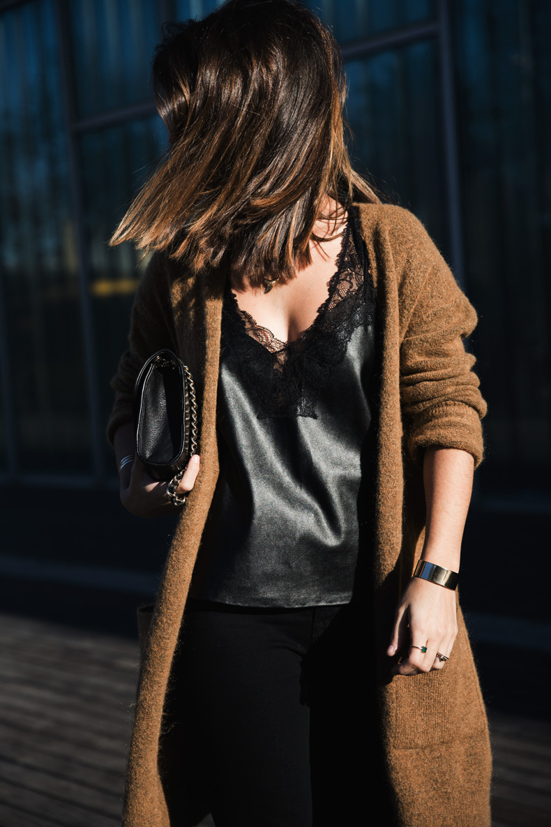 Maxi_Cardigan-Lace_Leather_Top-Bucklets_Shoes-Skinny_Jeans-Outfit-Street_Style-2
