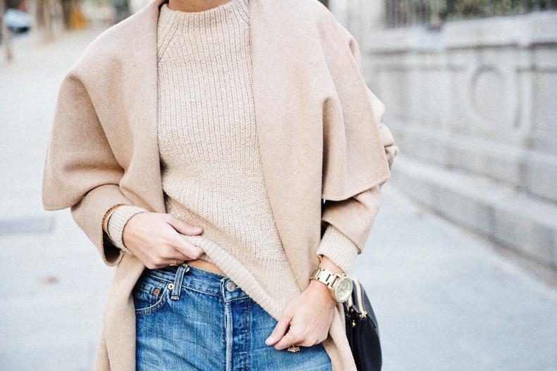 Maxi_Coat-Reformation_Sweater-Vintage_Levis-Outfit-Street_Style-Collage_Vintage-47Karen_Millen-Chrismas_Wishlist-Collage_Vintage-Leather_Skirt-Burgundy_Bag-Silver_Blazer-Outfit-Street_Style-