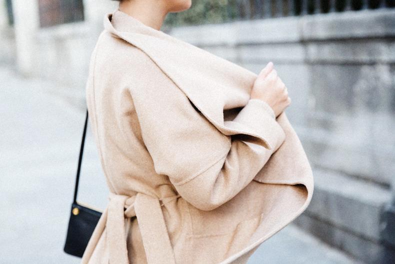 Maxi_Coat-Reformation_Sweater-Vintage_Levis-Outfit-Street_Style-Collage_Vintage-51Karen_Millen-Chrismas_Wishlist-Collage_Vintage-Leather_Skirt-Burgundy_Bag-Silver_Blazer-Outfit-Street_Style-