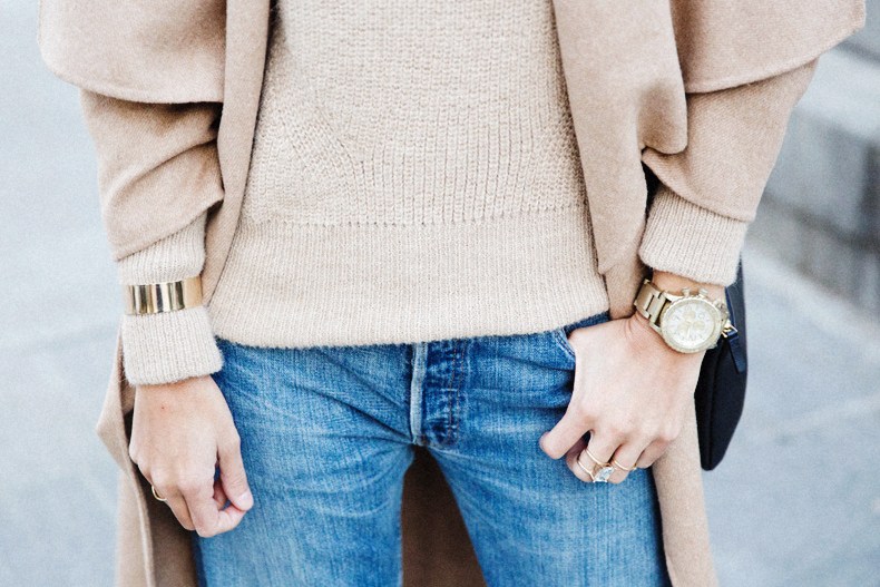 Maxi_Coat-Reformation_Sweater-Vintage_Levis-Outfit-Street_Style-Collage_Vintage-73Karen_Millen-Chrismas_Wishlist-Collage_Vintage-Leather_Skirt-Burgundy_Bag-Silver_Blazer-Outfit-Street_Style-
