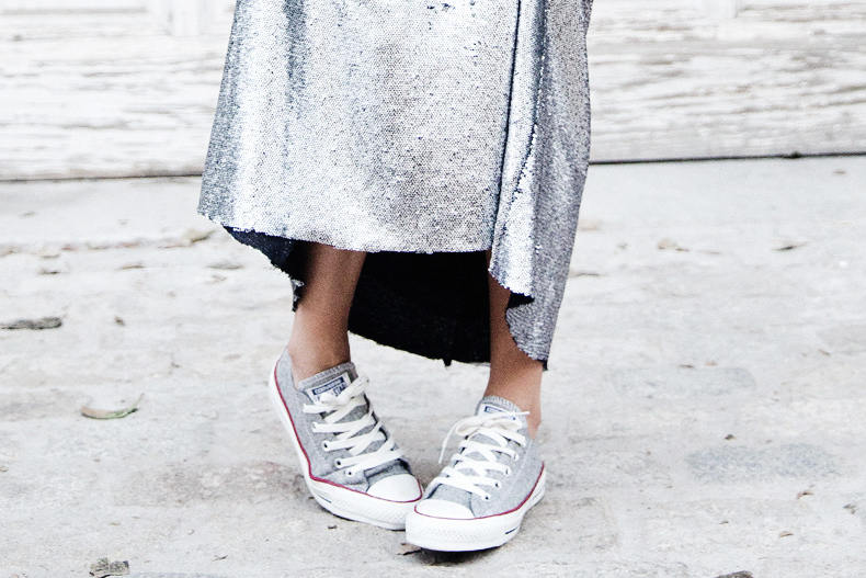 Sequined_Maxi_Skirt-Casual_Party_Outfit-Sweatshirt-Converse-Urban_Outfitters-Collage_Vintage-66Karen_Millen-Chrismas_Wishlist-Collage_Vintage-Leather_Skirt-Burgundy_Bag-Silver_Blazer-Outfit-Street_Style-