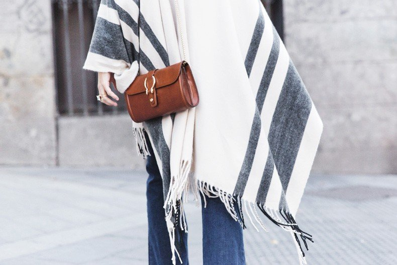 Stripe_Cape_Asos-Flare_Jeans-Outfit-Street_Style-103